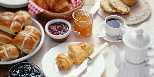 Breakfast options available to guests at Piazzetta dei Consoli Apartment