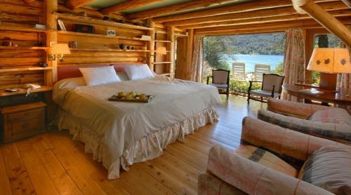 Una cama o camas en una habitación de Casa La Huala