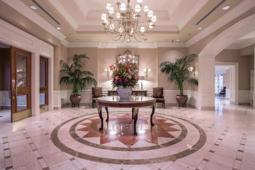 The lobby or reception area at La Grande Residence at the Sutton Place Hotel