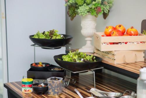 อาหารที่มีในเซอร์วิสอพาร์ตเมนต์หรือบริเวณใกล้เคียง
