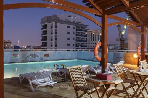 Басейн в или близо до La Villa Najd Hotel Apartments