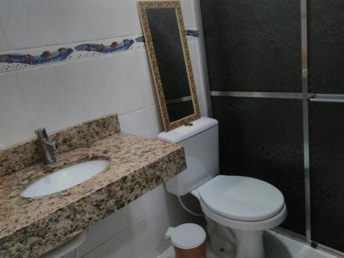 A bathroom at Paraiso Beira Mar