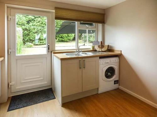 A kitchen or kitchenette at The Bluebells