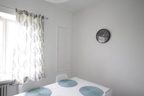 Vuode tai vuoteita majoituspaikassa Studio apartment in Kotka, Kaivokatu 23 (ID 9828)