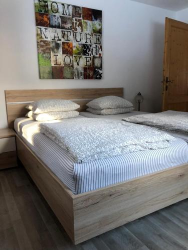 A bed or beds in a room at Apartment Gisi