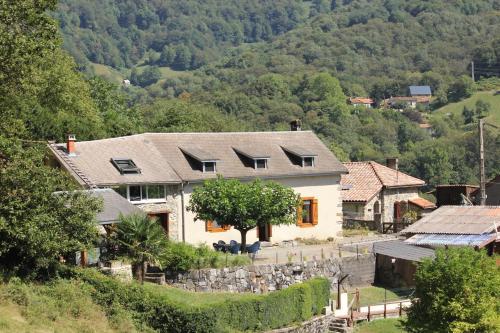 Vue panoramique sur l'établissement Maison du Coué Pyrénées Mourtis
