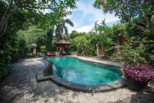 Piscine de l'établissement Ladera Villa Ubud ou située à proximité
