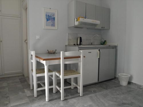 A kitchen or kitchenette at Santa Irene