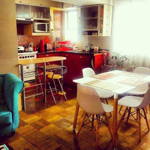 Una cocina o zona de cocina en Homestay Riquelme