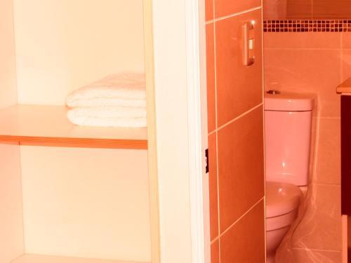 Un baño de Alejandro Aliste Nº11