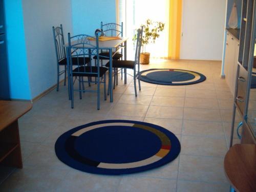 Dining area sa aparthotel