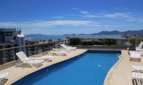 Vista de la piscina de Curta Florianópolis em Alto Padrão o alrededores