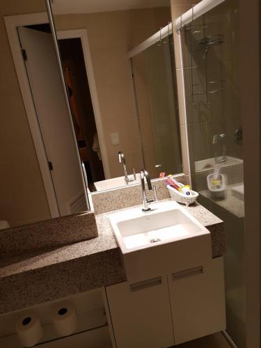 A bathroom at Landscape Beira Mar