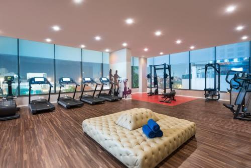 Phòng/tiện nghi tập thể dục tại Somerset West Point Hanoi