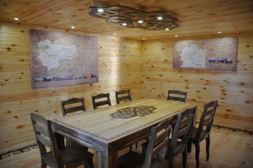 A restaurant or other place to eat at Visit-tsentr Belyashi
