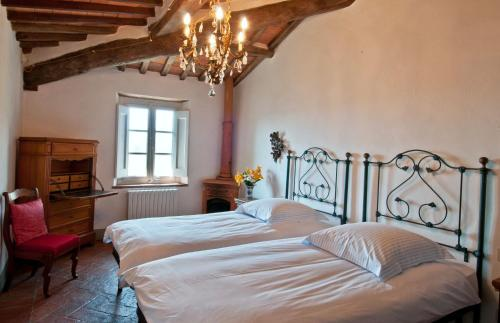 A bed or beds in a room at Villa Igea