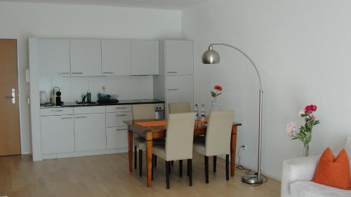 Cuisine ou kitchenette dans l'établissement Tertianum Mitteldorfpark