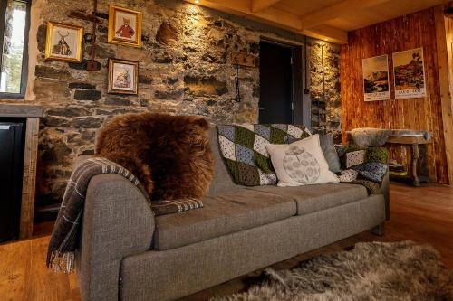 A seating area at Lusa Bothy
