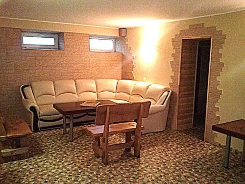 A seating area at Marijonu Apartments