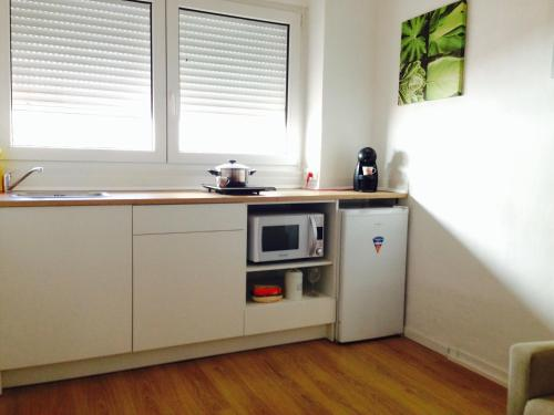 A kitchen or kitchenette at Valencian Dreams