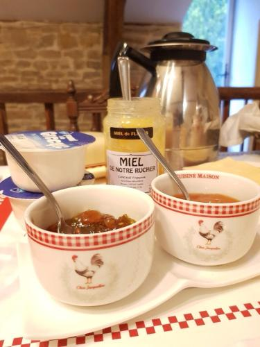 Bed And Breakfast La Malle D Arthur Caylus France Booking Com