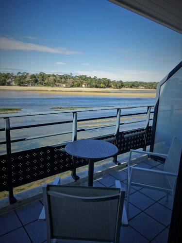 Hotel Le Pavillon Bleu Hossegor France Booking Com