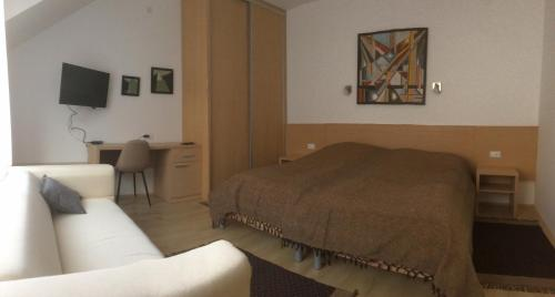 A bed or beds in a room at Apartment Mašić