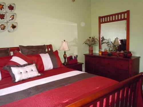 A bed or beds in a room at Grand palm 8840b