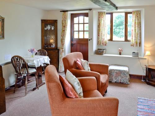 A seating area at Morse Cottage