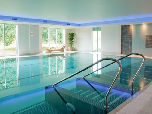 The swimming pool at or near Apartment 3