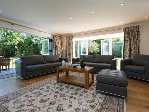 A seating area at The Lion Retreat at Shandwick