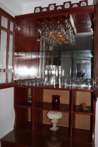 El salón o zona de bar de Andes Zaguan Apartamento