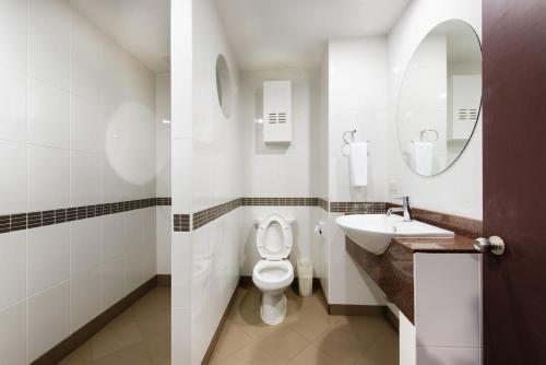 A bathroom at The Capital Mansion