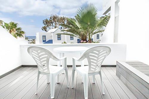 Een balkon of terras bij Apartamentos Morromar THe Home Collection