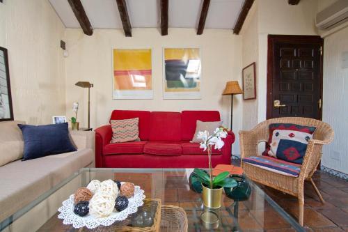 Ein Sitzbereich in der Unterkunft Luxury Apartment Puerta de Alcalá and Serrano Street