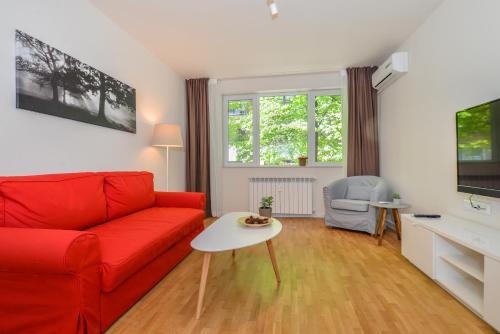 אזור ישיבה ב-GORA | Two Bedroom Central Apartment | Zaimov Park