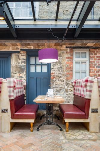 Enjoyable The Bull Hotel Olney Uk Booking Com Ocoug Best Dining Table And Chair Ideas Images Ocougorg