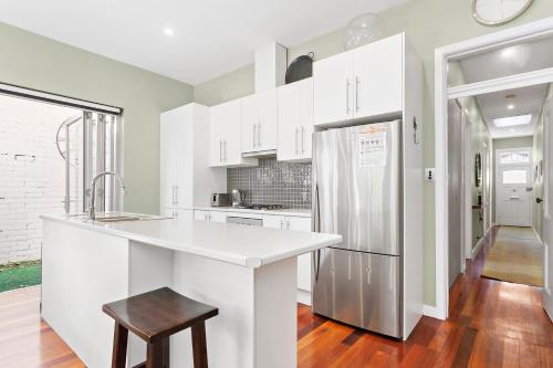 A kitchen or kitchenette at Elise - Beyond a Room Private Apartments