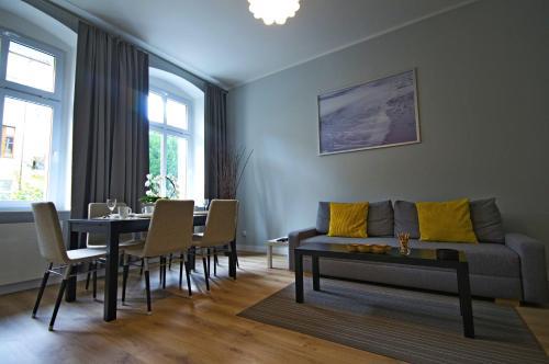 Część wypoczynkowa w obiekcie Apartament Paderewskiego 12m2