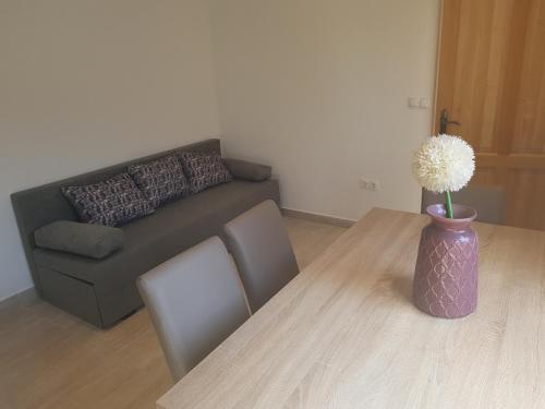 A seating area at Apartmani Maar