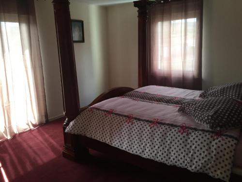 Ein Bett oder Betten in einem Zimmer der Unterkunft Haus Irmgard