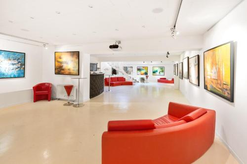The lobby or reception area at Eiffel Tower / Loft Space