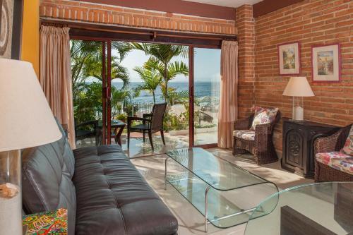 Гостиная зона в Vallarta Shores Beach Hotel