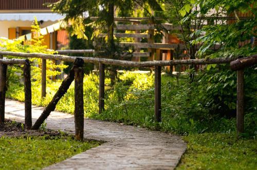 Ein Garten an der Unterkunft Chalet Pierre