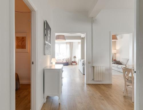 A kitchen or kitchenette at Look Barcelona Apartment