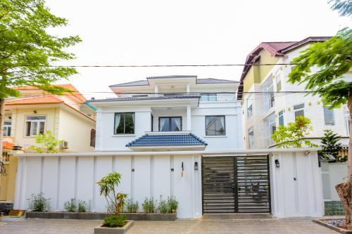 The Luxury White Villa in Vung Tau