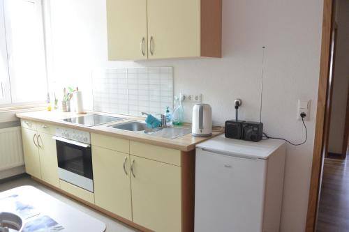 Auerbachs Kellerにあるキッチンまたは簡易キッチン