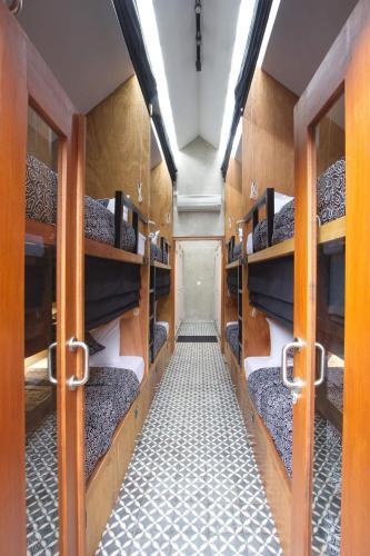 Ein Etagenbett oder Etagenbetten in einem Zimmer der Unterkunft Sunshine Vintage House