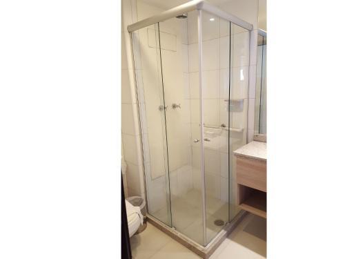 A bathroom at NOB1804 Excelente Flat em Boa Viagem com 2 quartos