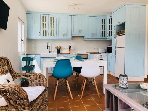 Una cocina o kitchenette en Esteiro Surf Lodge